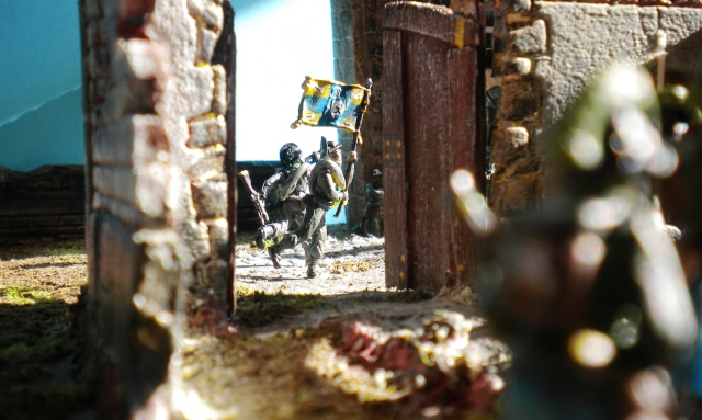 Figurines et bourg en cours 01629