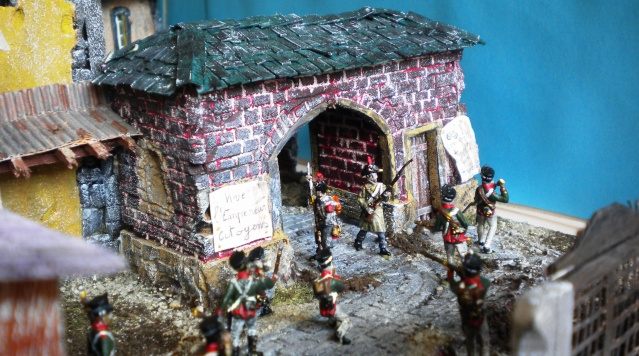 Figurines et bourg en cours 02919
