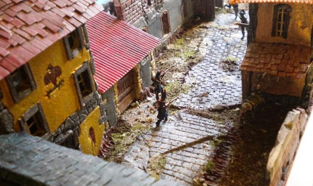 Figurines et bourg en cours 03217
