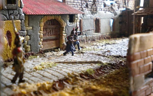 Figurines et bourg en cours 03611