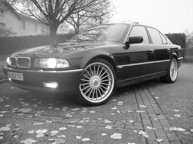 mes voitures , enfin mes E38 !!! - Page 3 Dscn6130