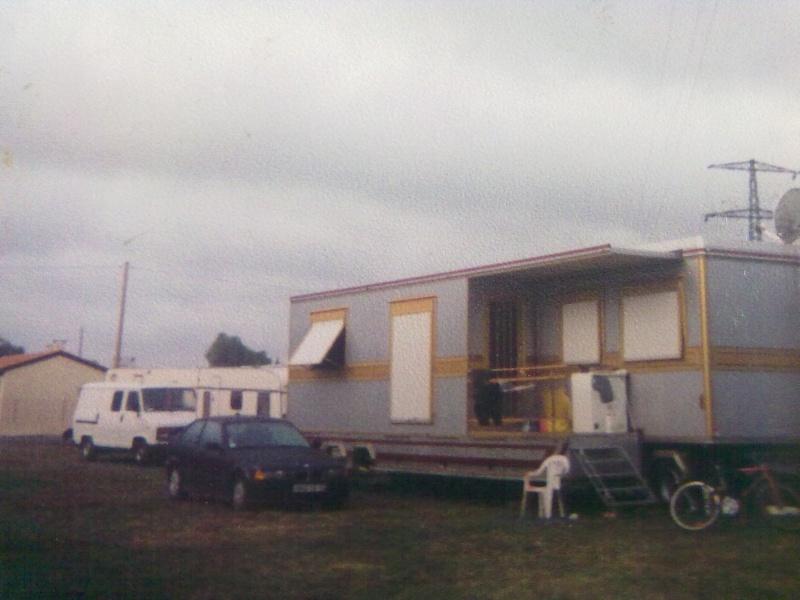 Les Camions des forains - Page 3 01610