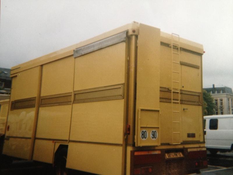 Les Camions des forains - Page 3 Img_1116