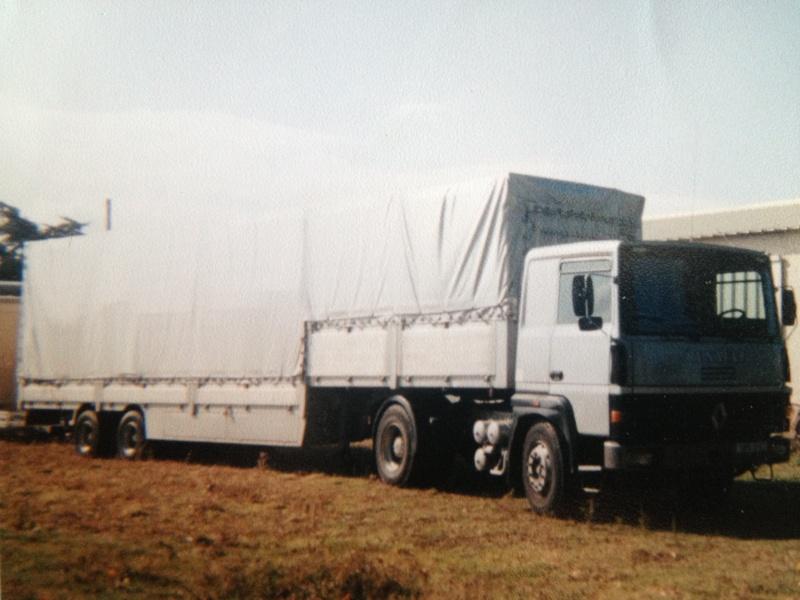 Les Camions des forains - Page 3 Img_1120