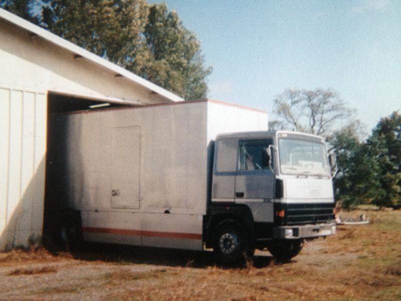 Les Camions des forains - Page 3 Img_1121