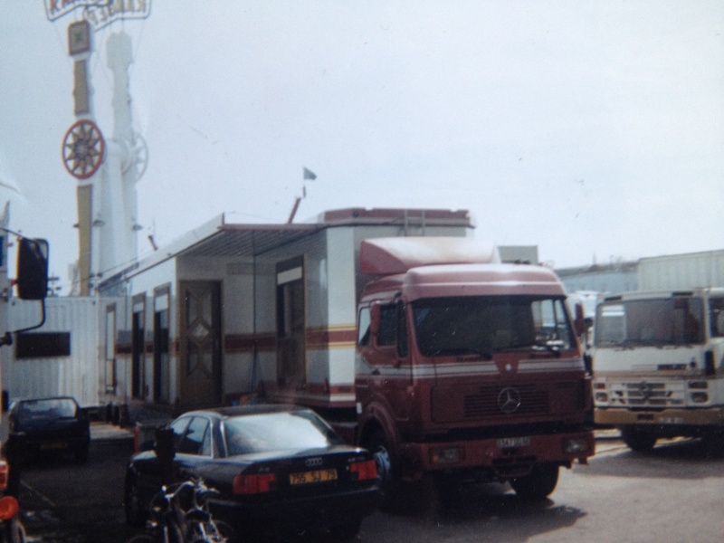 Les Camions des forains - Page 3 Img_1127