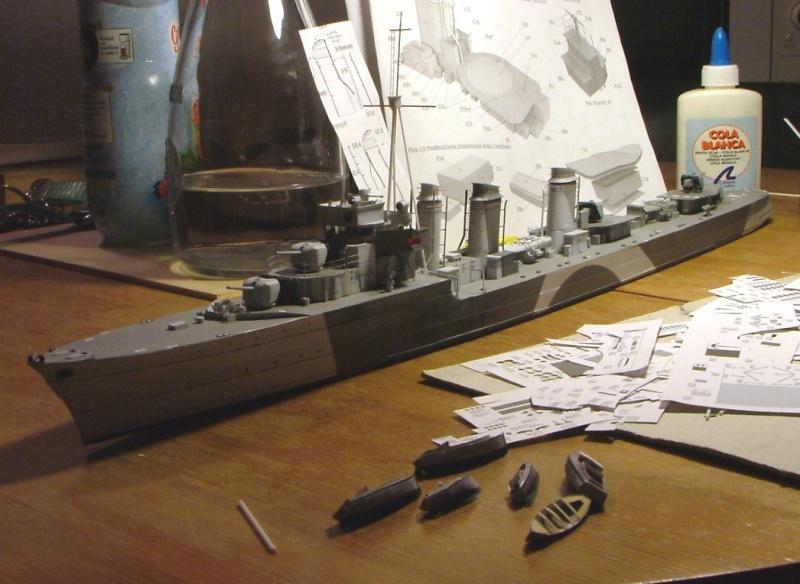 Contre-torpilleur Jaguar - 1/200 - Page 2 Dscf4146