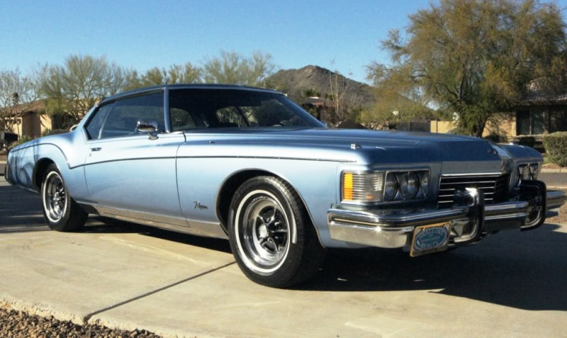 Baby Blue 1972 Riviera GS B03_ds10