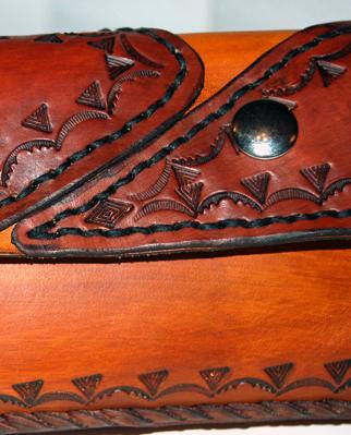 Artisan du cuir, réparation, restauration et sur mesure  P_03210