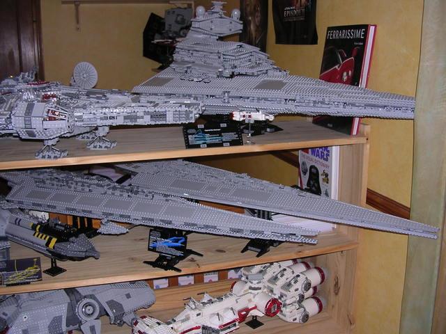 Lego Star Wars - 10221 - Super Star Destroyer UCS - Page 4 Dscn6110