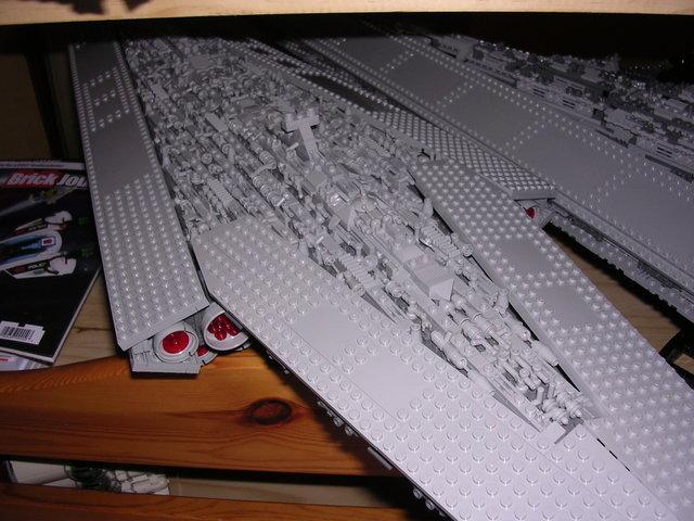 Lego Star Wars - 10221 - Super Star Destroyer UCS - Page 4 Dscn6113