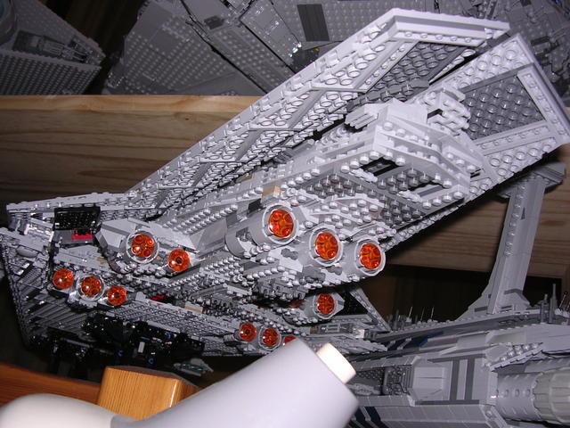 Lego Star Wars - 10221 - Super Star Destroyer UCS - Page 4 Dscn6115