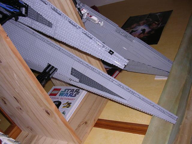 Lego Star Wars - 10221 - Super Star Destroyer UCS - Page 4 Dscn6118