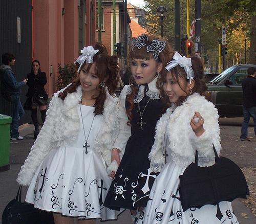 .... Sujet tant attendu : Le Gothic Lolita ..... 25672310