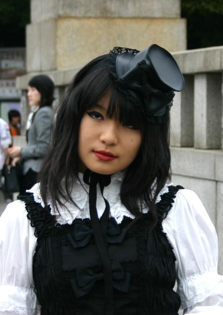 .... Sujet tant attendu : Le Gothic Lolita ..... Gothic11