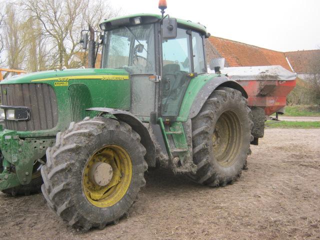 Concours du tracteur le plus cradingue Jd_00410