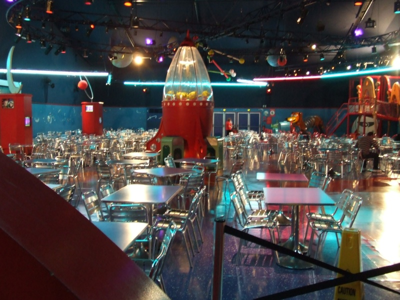 [Buffet] Buzz Lightyear's Pizza Planet Restaurant Dscf9412
