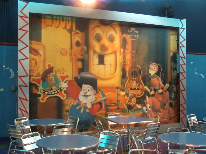 [Buffet] Buzz Lightyear's Pizza Planet Restaurant Dscf9414