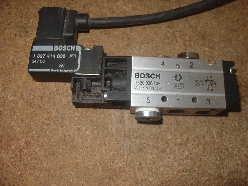 Portique  CNC  PFE1000PX + socle et console PC Dsc02017