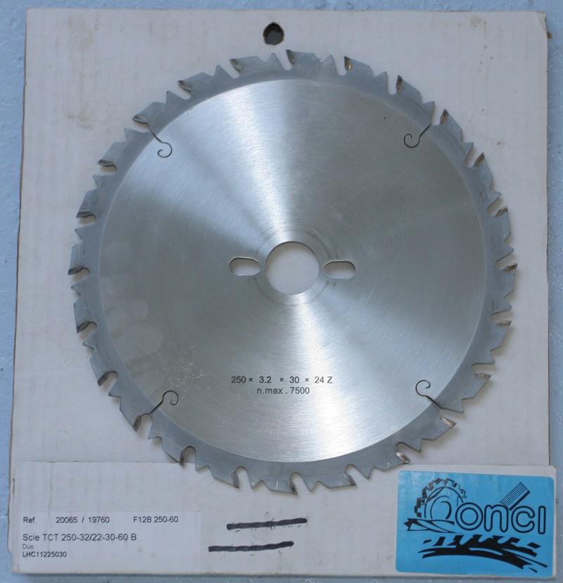 Vends lot de 4 lames de scie circulaire Ø250 [VENDU] 02_jui12