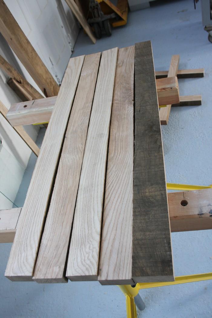 Une table basse bois et verre. 02_sep10