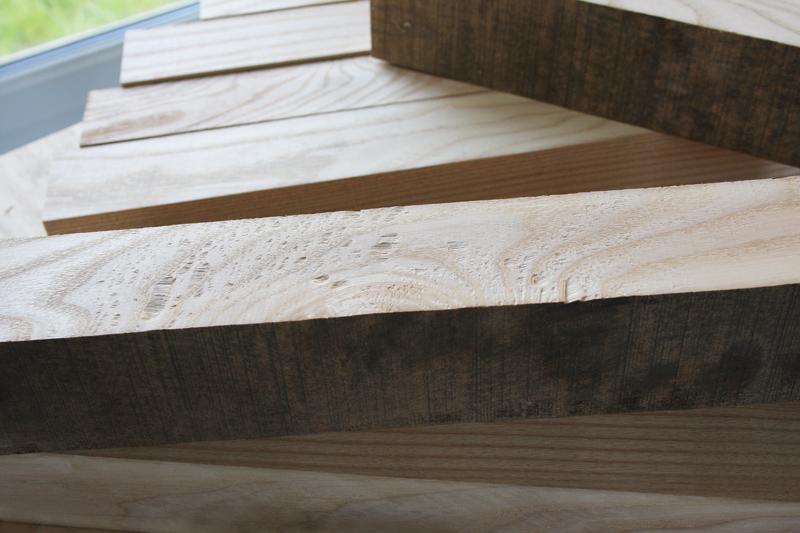 Une table basse bois et verre. 02_sep13