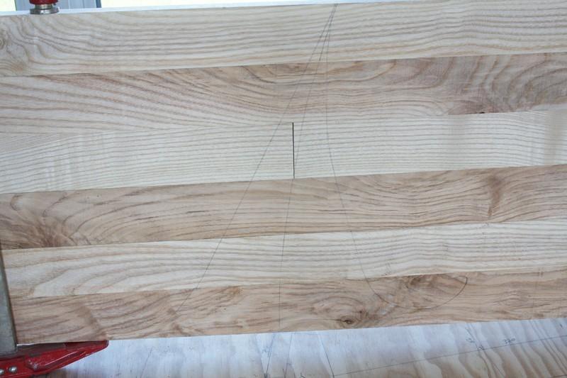 Une table basse bois et verre. 02_sep21