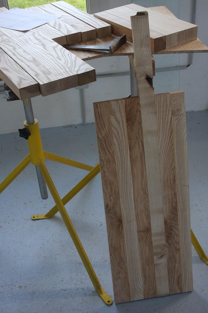 Une table basse bois et verre. 02_sep28