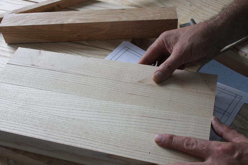 Une table basse bois et verre. 03_sep14