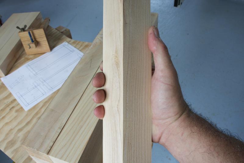 Une table basse bois et verre. 03_sep15