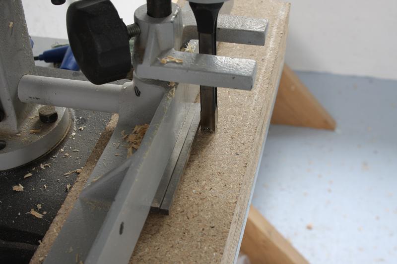 Une table basse bois et verre. 03_sep24