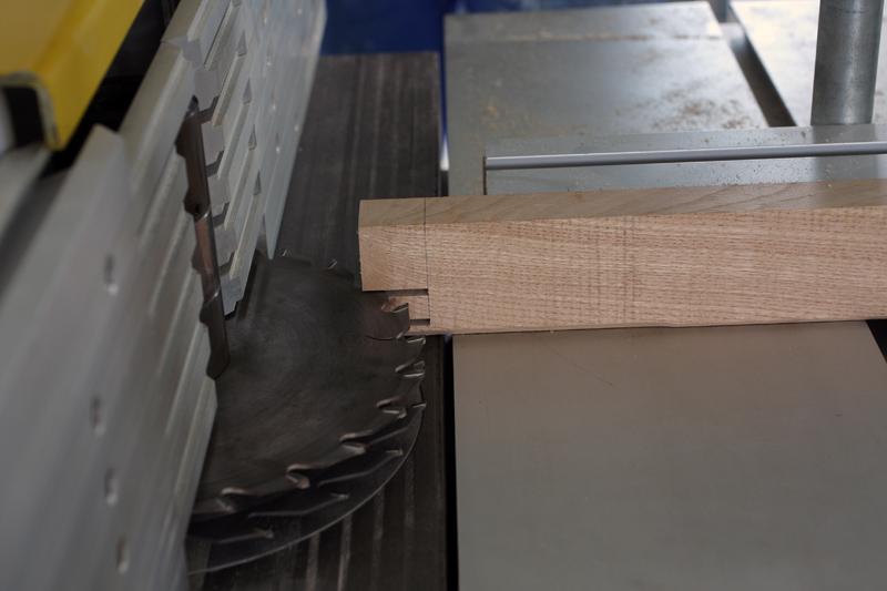 Une table basse bois et verre. 14_sep13