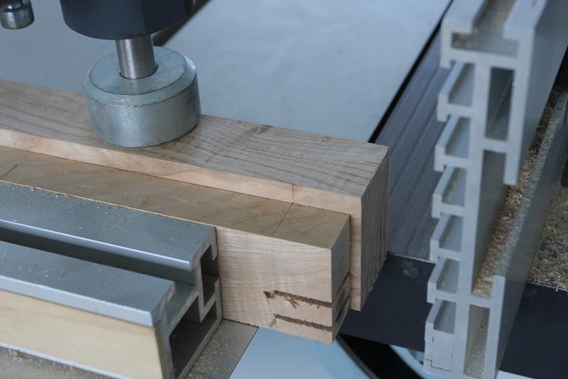 Une table basse bois et verre. 14_sep14