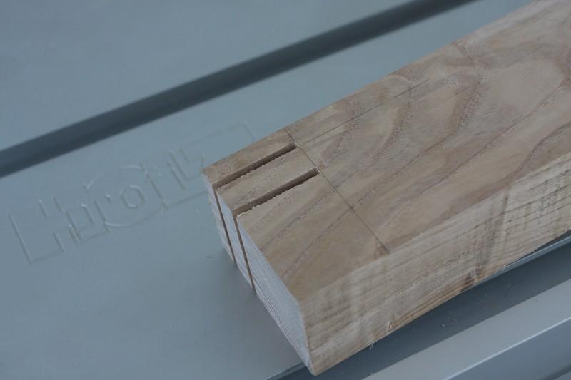 Une table basse bois et verre. 14_sep16