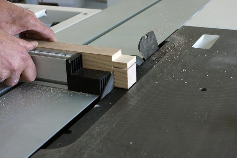 Une table basse bois et verre. 14_sep19
