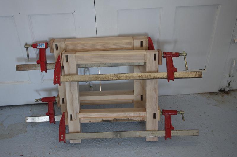 Une table basse bois et verre. 15_sep31