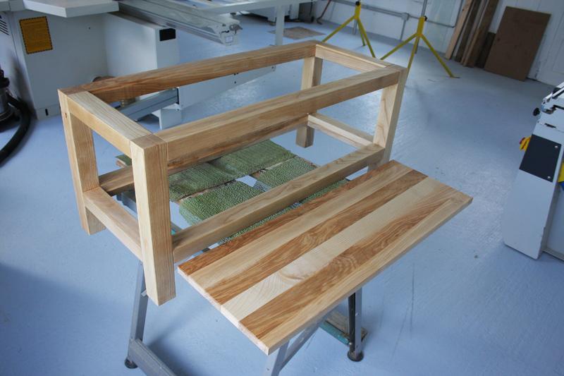 Une table basse bois et verre. - Page 2 16_sep20
