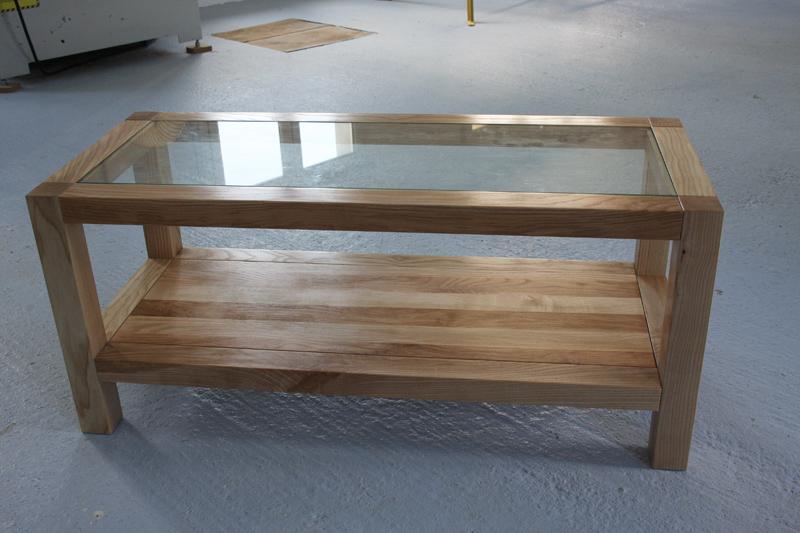 Une table basse bois et verre. - Page 2 16_sep25