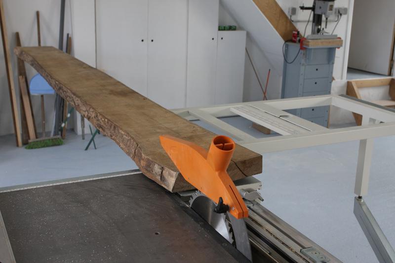 Une table basse bois et verre. 29_aou11