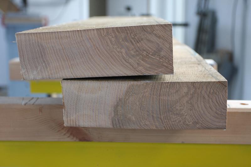 Une table basse bois et verre. 29_aou15