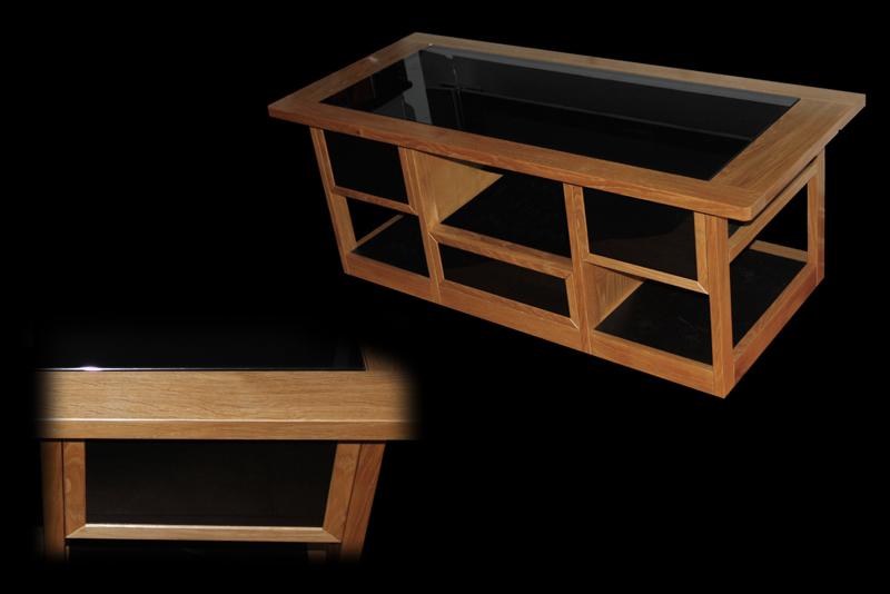 Une table basse bois et verre. 95_cop10