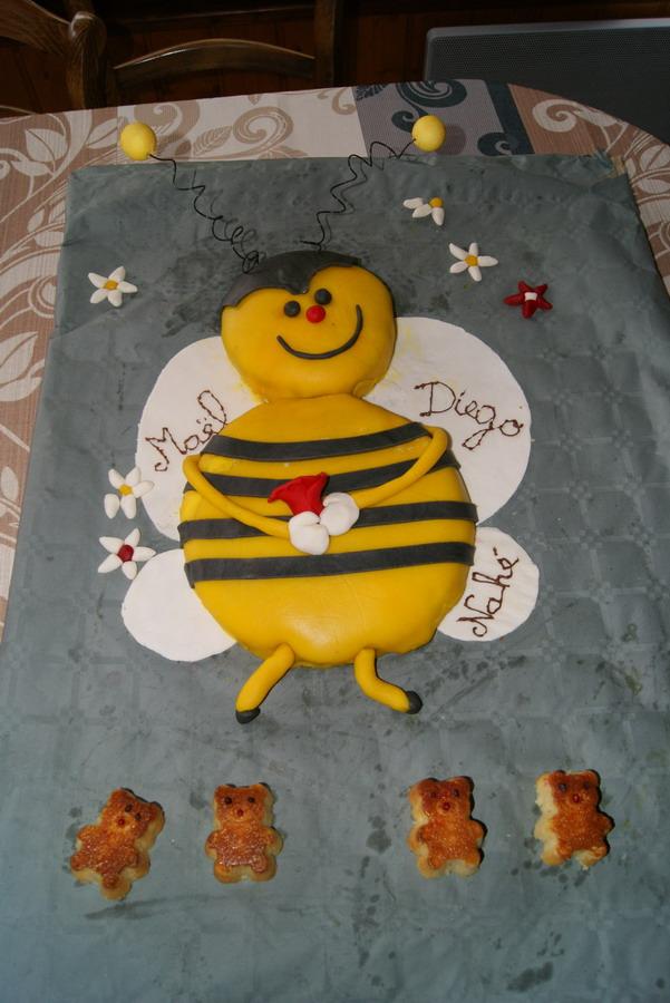 abeille et ruche - Page 2 Dsc09511