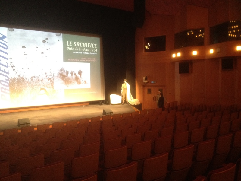 """Projection du film """"Le Sacrifice"""" - Dien Bien Phu le 13 Février 2012 à 19h00 Img_0212"""