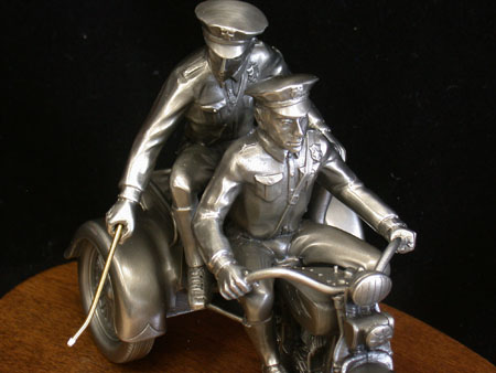 Jouets, jeux anciens et miniatures sur le monde Biker - Page 3 Archiv12