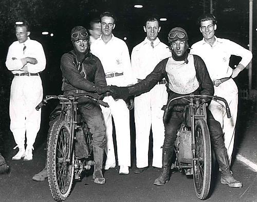 Harley-Davidson – Peashooter - 21.35ci (350 cc)  - Page 3 B_lamo10
