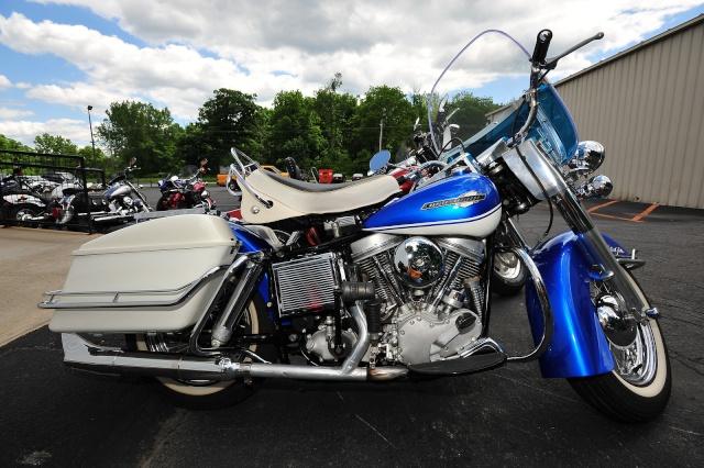 Les vieilles Harley....(ante 84)..... - Page 5 Dsc04410