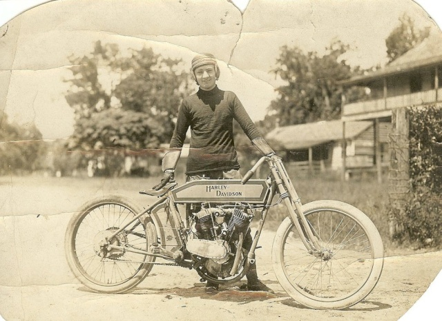 Les vieilles Harley......... (ante 84) - Page 38 Hd-19110