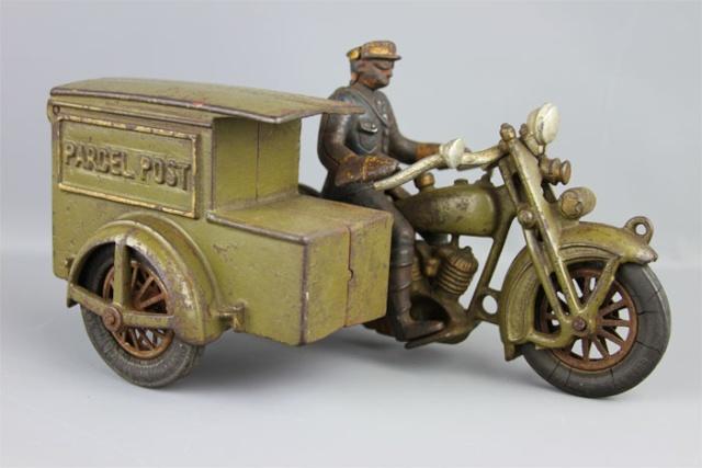 Jouets, jeux anciens et miniatures sur le monde Biker - Page 2 Img_1410