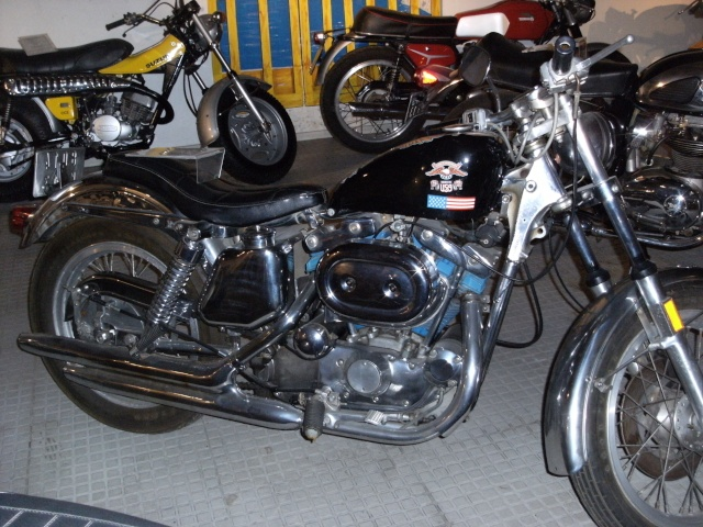 Les vieilles Harley......... (ante 84) - Page 39 Photos30