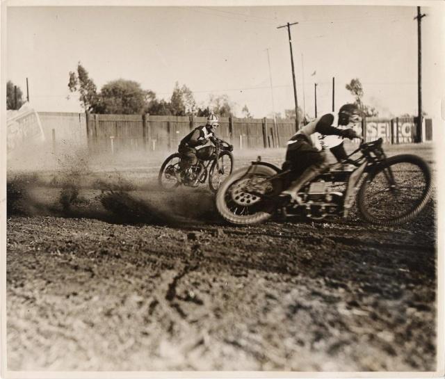 Harley-Davidson – Peashooter - 21.35ci (350 cc)  - Page 5 Roosti11